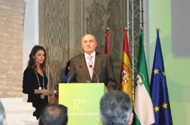 Obsequiada FEDAMA con el Premio C de Consumo 2010